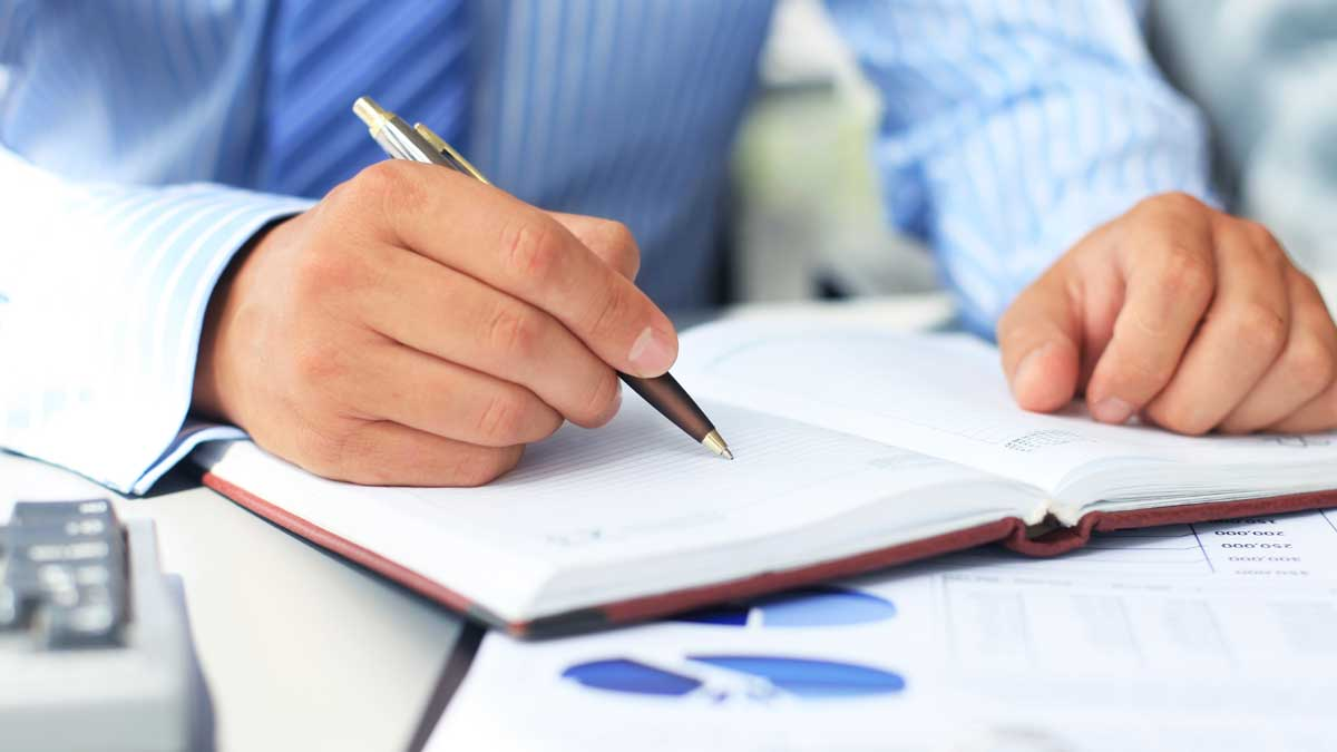 英語の履歴書・職務経歴書の書き方|ビジネス英語の専門家に聞く