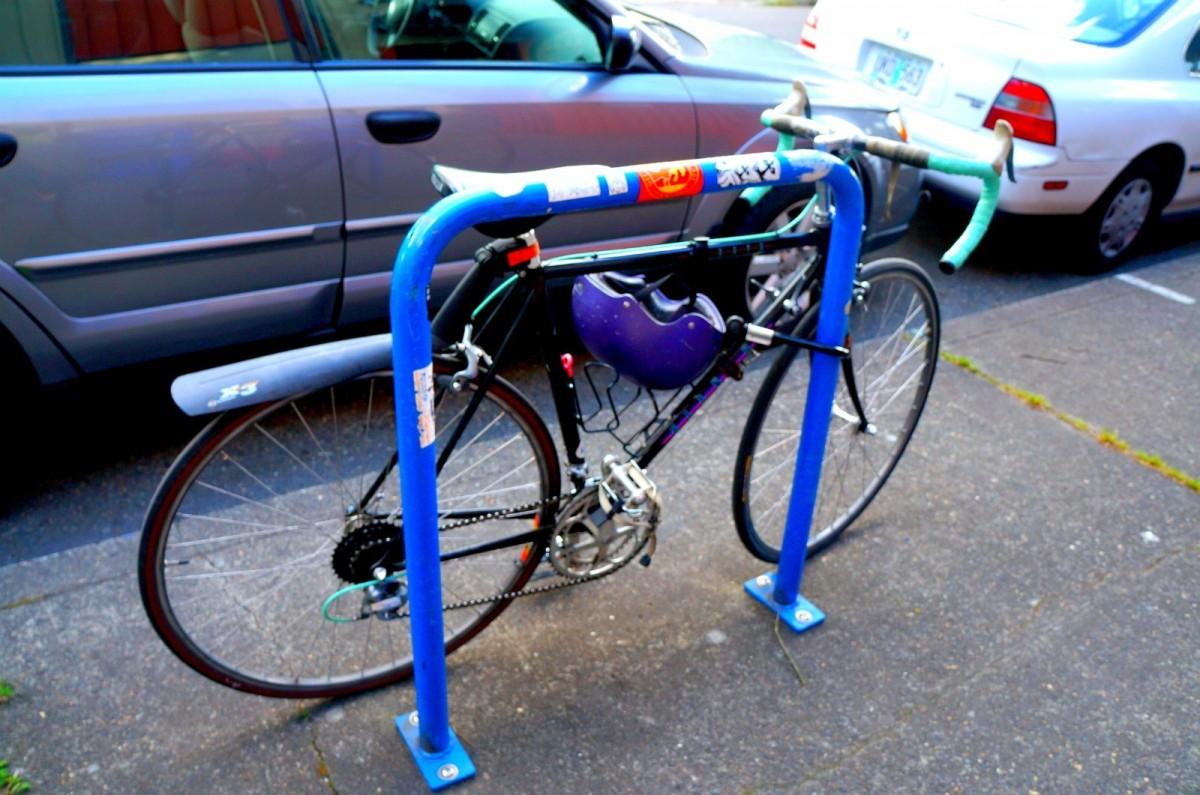 各通りにはかならず自転車の ...